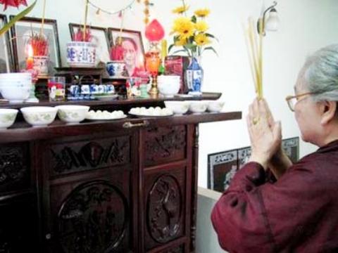 Chọn chất liệu bát hương theo mệnh gia chủ