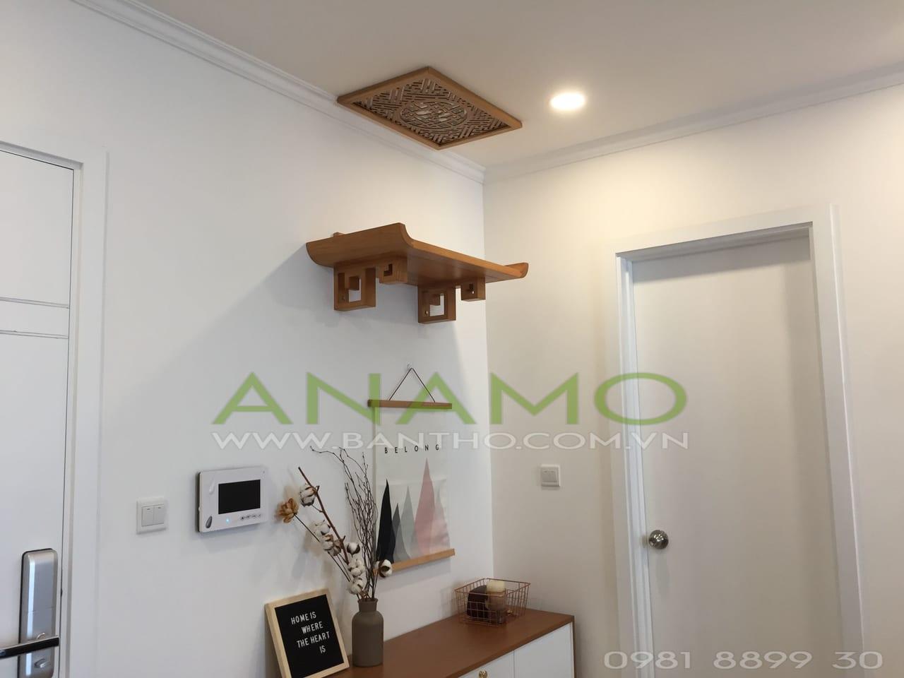 bàn thờ treo tường ANAMO có màu sắc phù hợp với chung cư